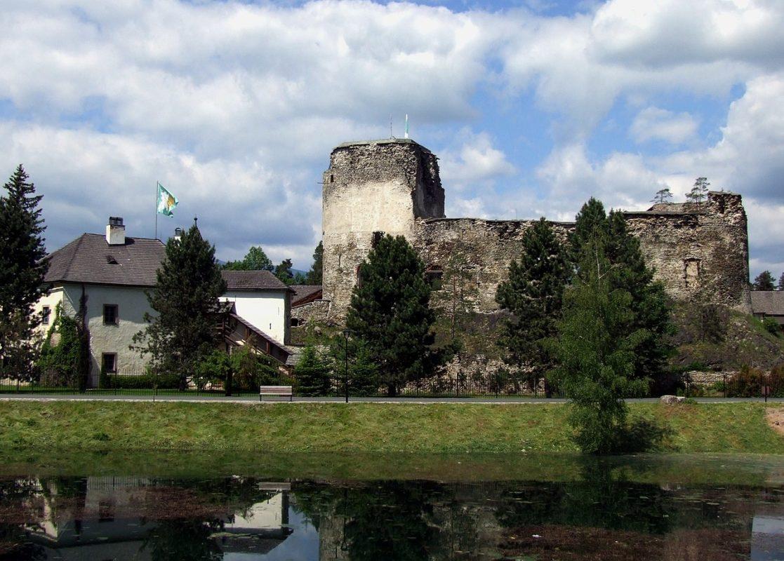 Zoznam hradov a zámkov na Slovensku