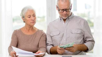 Niektoré pracujúci dôchodcovia dostanú rozhodnutie o zvýšení dôchodku až v apríli