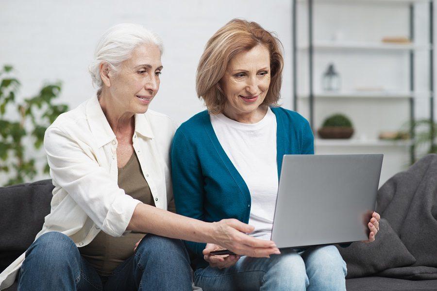 seniori a moderné technológie